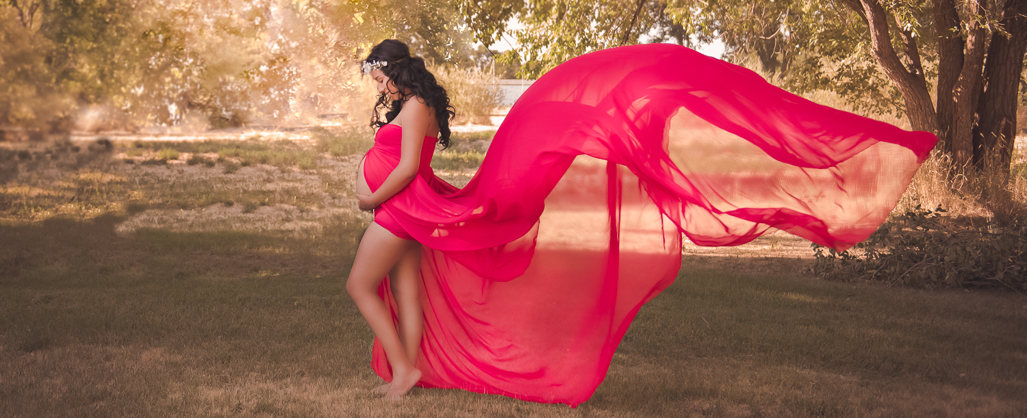 mother child daughter posing fun candid photography Jessica Nightingale pregnancy maternity dress bump